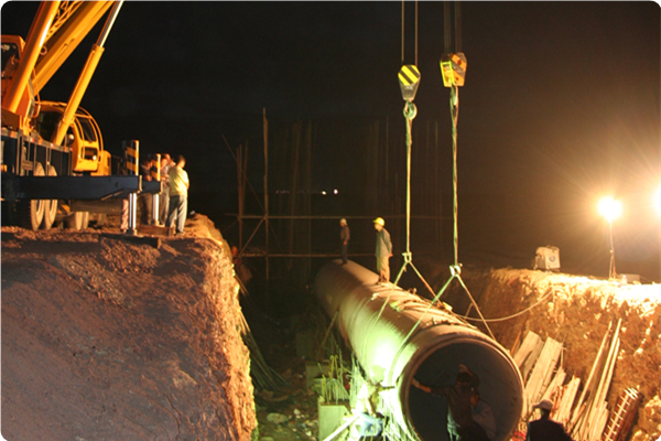 新疆准东供水五彩湾事故备用水池施工