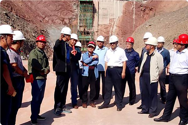 青海省水利厅总工张生福一行调研由我局承建的青海省牙扎水库工程