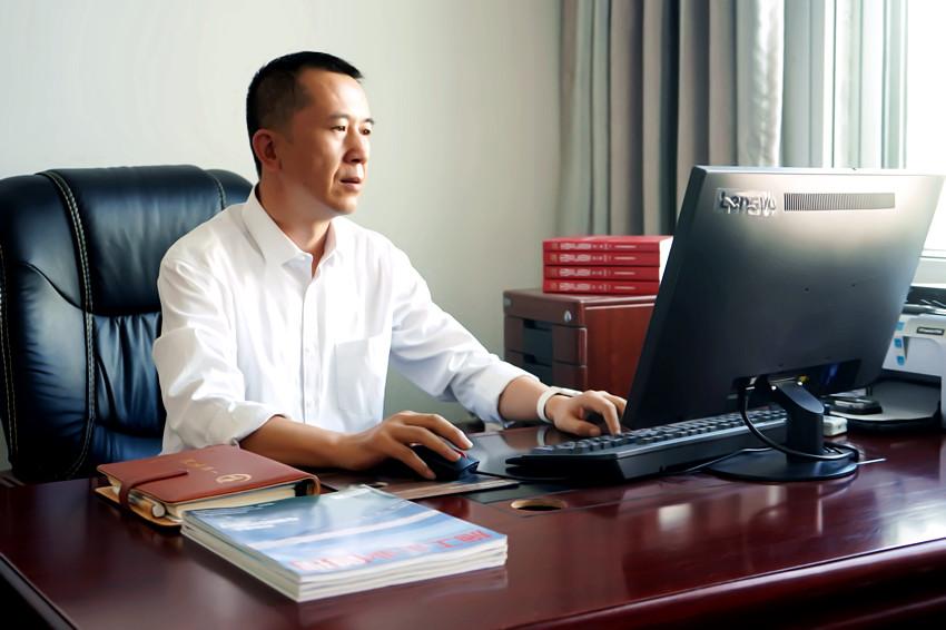 副总经理 马国锋