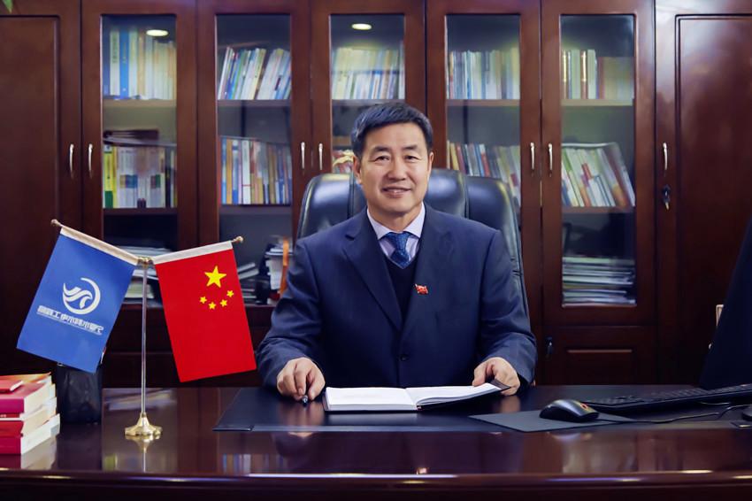 党委书记、执行董事 高维力